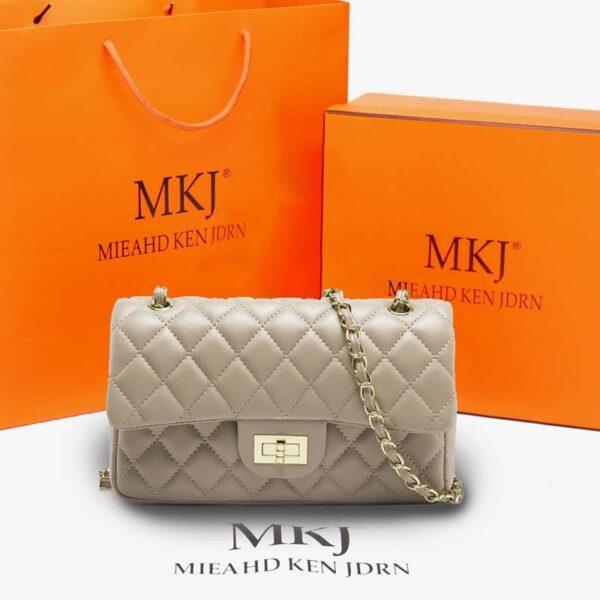 2021-New-Vintage-Rivet-Small-Square-Crossbody-Bags-Handbag-Lock-High-Quality-Leather-Chain-Shoulder-Bag-3.jpg
