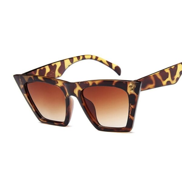 Female-Vintage-Sunglasses-Women-Fashion-Cat-Eye-Luxury-Sun-Glasses-Classic-Shopping-Lady-Black-Oculos-De-4.jpg
