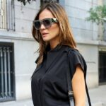 Square-Oversized-Sunglasses-Women-Luxury-Brand-2021-New-Designer-Gradient-Sun-Glasses-Big-Frame-Vintage-Eyewear-2.jpg
