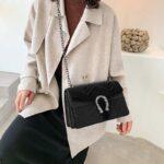 Vintage-Clutch-Evening-Shoulder-Bags-For-Women-Luxury-Velvet-Handbags-Designers-Gold-Chain-Crossbody-Bags-Square-1.jpg